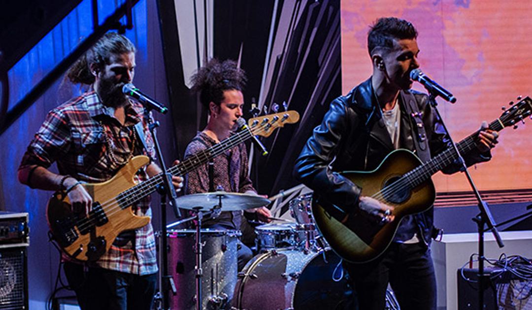 """Live show with Dire Straits' ex-guitarist """"Jack Sonny"""""""